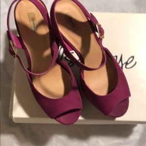 Magenta platform heels